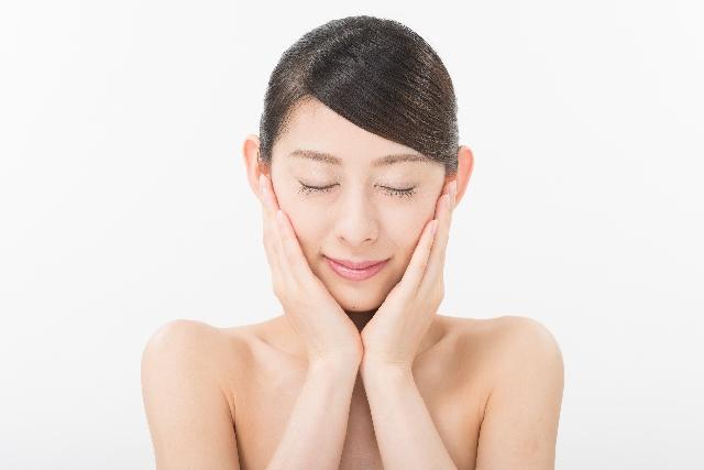 日本橋の皮膚科が教える!大人ニキビの原因と改善方法